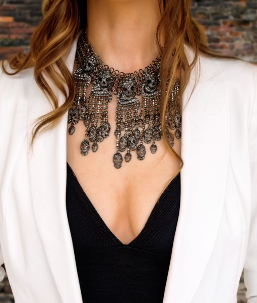 Morta necklace